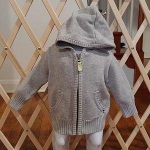 ⭐Carter's 6 months sweater hoodie⭐